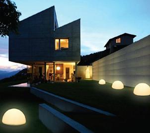 en metal y luz queremos darte unos consejos para iluminar tu jardn o terraza with luces led para terrazas