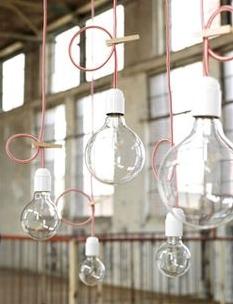 cables, bombillas y pinzas